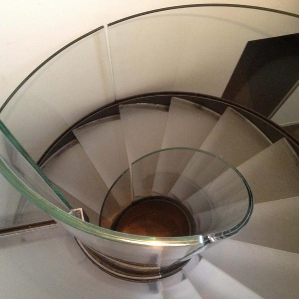 le_national_de_montreux_-escalier_en_verre_4_ii_.jpg
