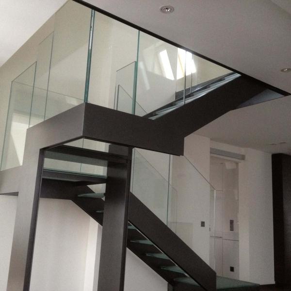 le_national_de_montreux_-escalier_en_verre_7_vi_.jpg